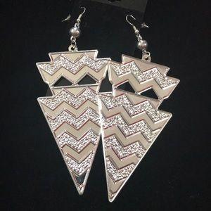 Jewelry - Textured Chevron Earrings